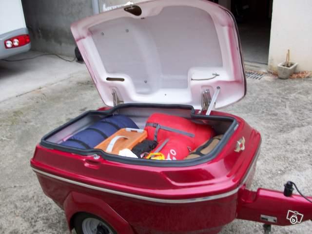 remorque bagag re pour motos. Black Bedroom Furniture Sets. Home Design Ideas