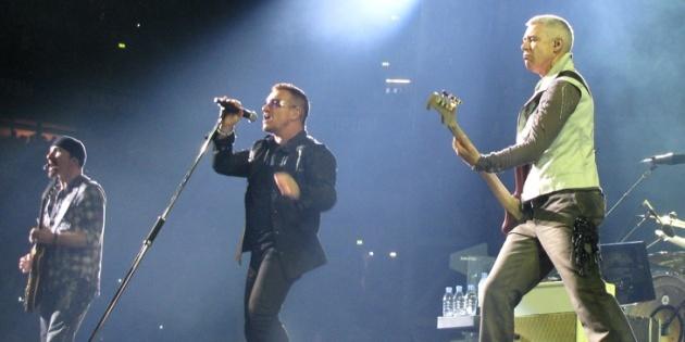 U2, LES DIEUX DU STADE