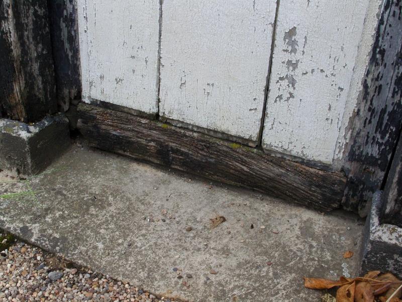 Une porte volet clefs pour mon abri de jardin 5 5 for Porte en bois pour jardin