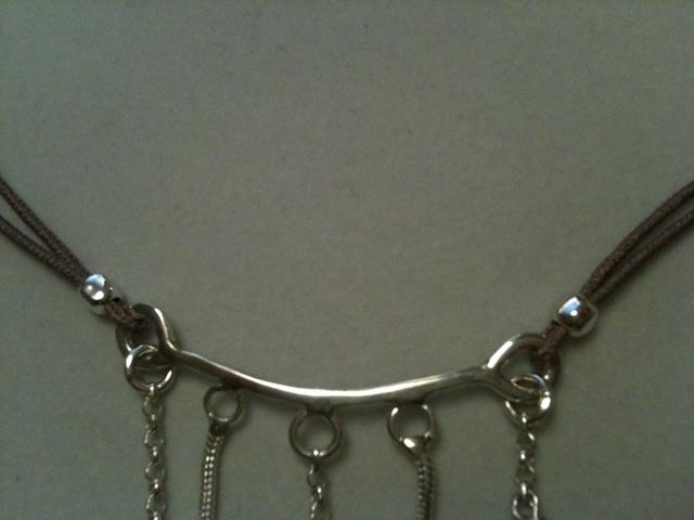 Soudure sans  Mariage  des anneaux de bout sur une chaîne...