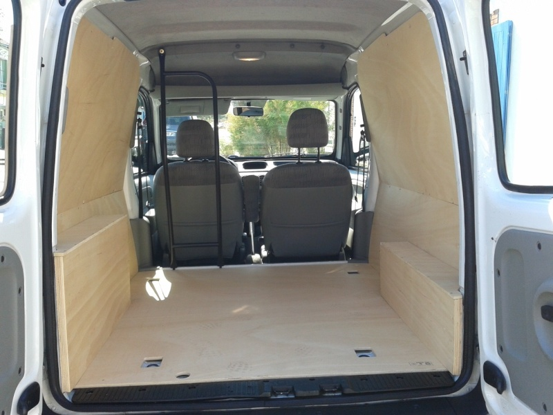 Comment amenager kangoo utilitaire for Dimension interieur kangoo utilitaire